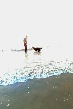 Première sorti à la plage  pour BOOBA.