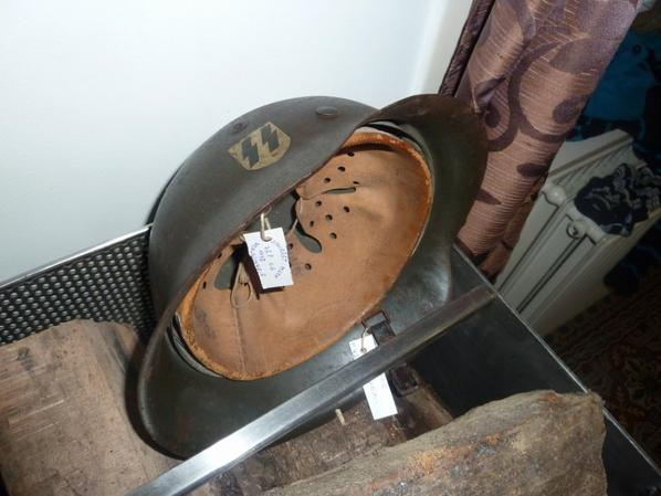 Véritable casque de la Wafen SS, M42