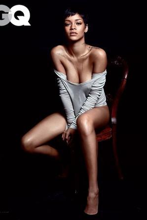 Rihanna pose pour GQ.