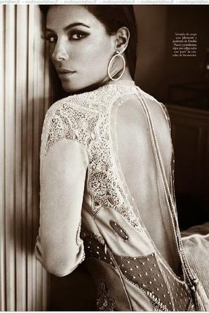 Eva Longoria pose pour ELLE.