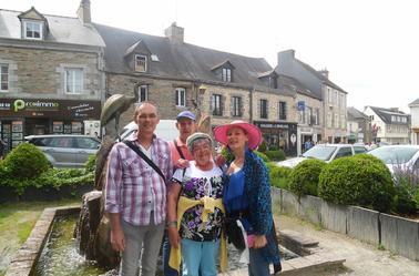 balade avec des amis à la Gacilly dans le Morbihan avec des amis