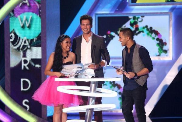 James et Carlos présenting