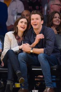 Le 9 Février 2014  Lily avec son Boy-Friends Thomas pour voir le match des Los Angeles Lakers Game, Côté tenue je suis total In-Love des chaussure Diesel .