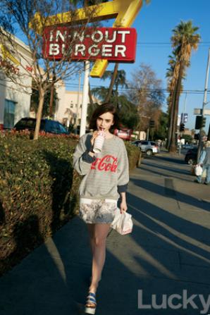 Le 17 Mars 2014Lily fait la couverture du mois d'Avril pour le magasine Lucky elle est juste sublime.