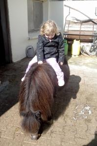 mwa fille est son poney