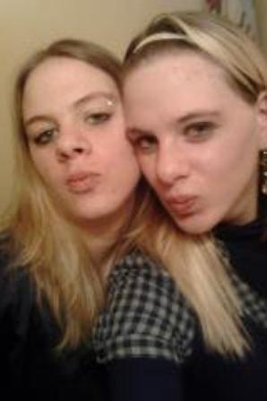 Moi et ma Soeur Jumelle Le 15 Décembre 2012  (;