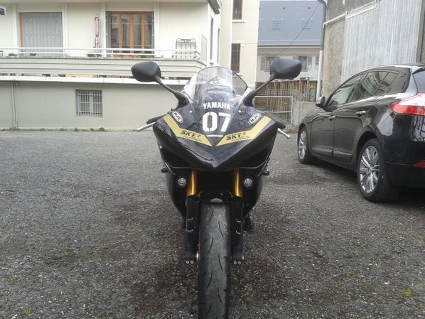 Nouvelle déco sur ma Yamaha YZF-R1...