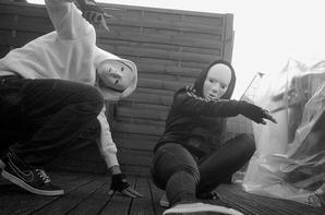Moi (Blanc) et Ma soeur (Noir)