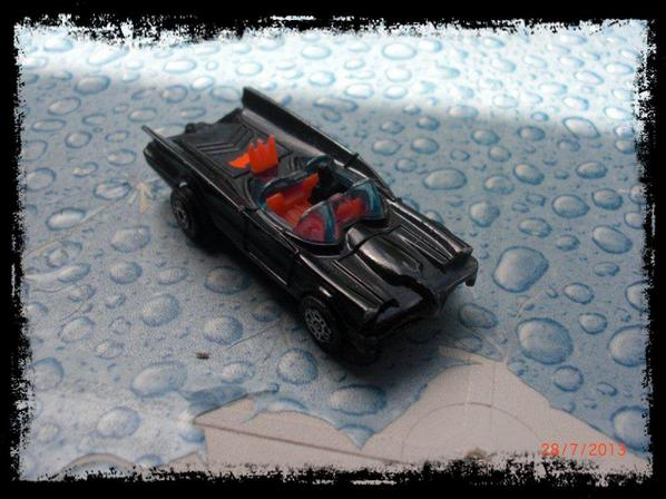 Batman - Batmobile 1966 - 1/64