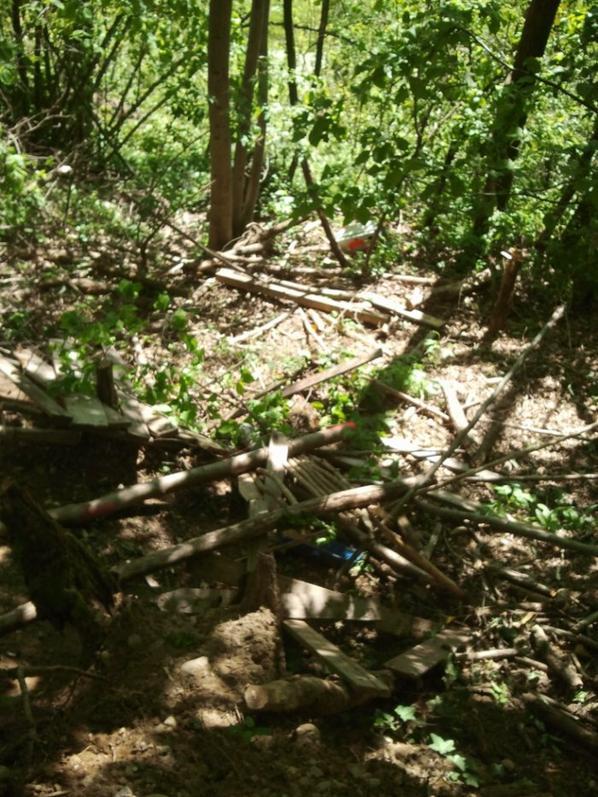 27) Cabane casser