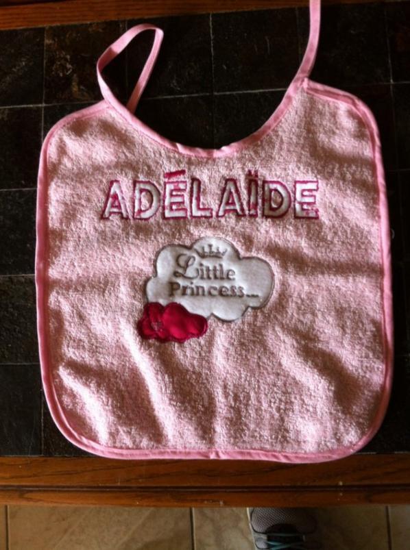 bavoir coordoné pour Adélaïde