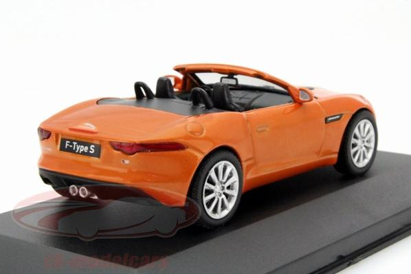 Jaguar F-Type s 2014 1/43 WhiteBox