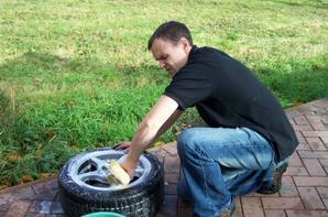 Moi en mode nettoyage voiture 2006