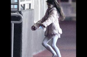 Suri, Adorable petite gymnaste et élève modèle