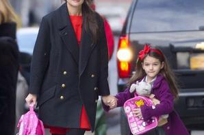 Suri Cruise : finis les pleurs, elle se sent à nouveau en sécurité au côté de sa maman !
