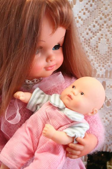 Titti Mama a adopté un bébé !
