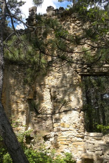 À l'assaut des ruines de Barbine et de Puymorel