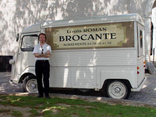 Louis la brocante, VICTOR LANOUX est mort pour tout ses admirateurs, en effet, aujourd'hui 04 Mars 2014, victor Lanoux range définitivement son tube.