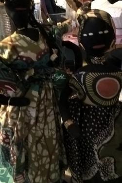 Dans la collection : Le tour du monde : l'Afrique premiére partie : Bateau Africain lampe de salon (1)