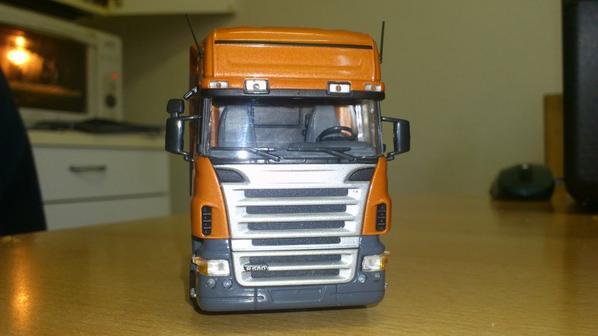 Tracteur Scania R580 orange