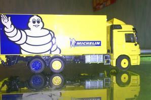 Porteur Michelin avec hayon
