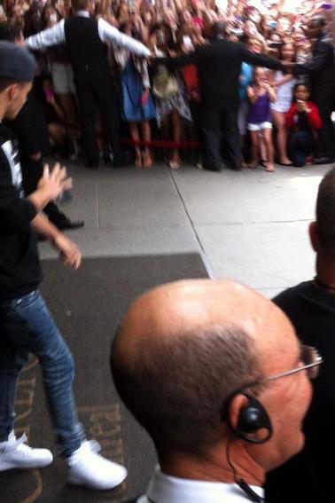 Zayn et Liam vers leur hotel Montréal 04.07.2013