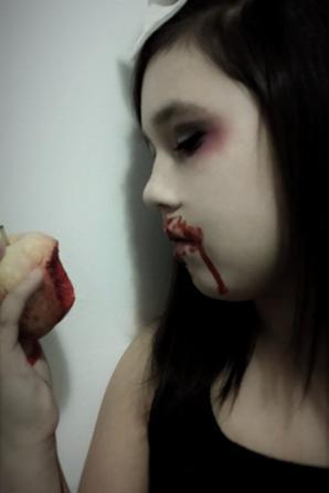 Petite poupée gothic