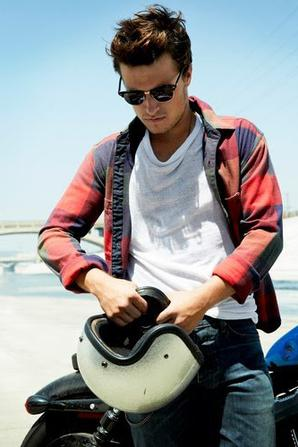 Josh mag seventeen