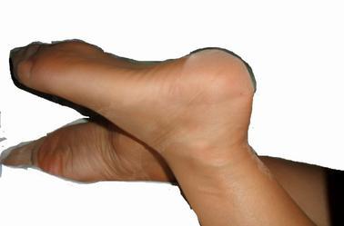 les plus beaux pieds du monde ceux de ma femme mettez des coms pas de kiffs SVP merci