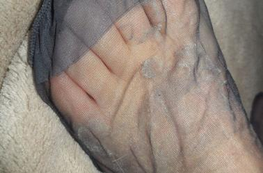 les pieds de ma femme mettez des coms pas de kiffs SVP merci