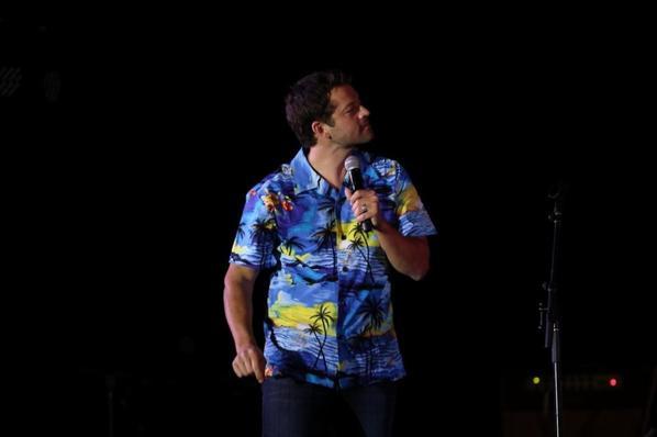 voici quelles nouvelle photo de convention de Misha ses celle a Hawaie de cette année