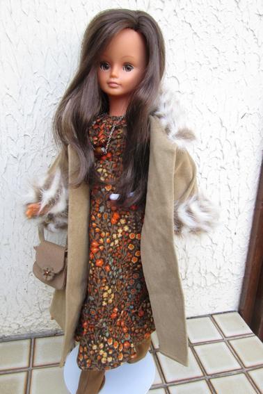 Cathie hollandaise habillée en Katiouchka