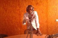 Salim Diallo à plusieurs cordes à son arc  Animateur Radio - Télé  - Journaliste - Technicien Radio  - Producteur- Réalisateur- Monteur de clips - vidéo -  films  Arbitre de Basket - Coach Roller...Tout çà grâce à Dieu