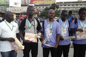 Salim Diallo l'un des meilleurs arbitres de Basket  en (Côte d'ivoire)de la saison 2017  Reçoit un prix....