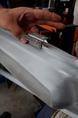 Fixations radiateur