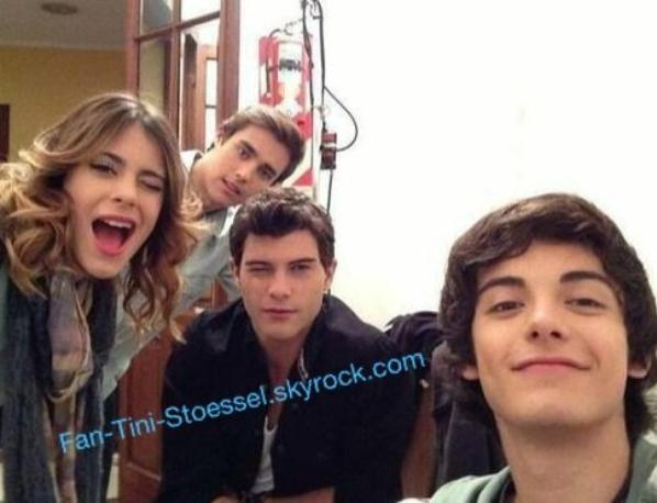 New photo des acteurs de violetta 2