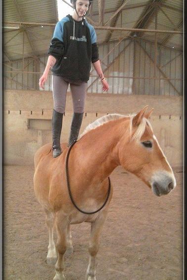 Monter à cheval transforme le « je voudrais bien » en « je peux »