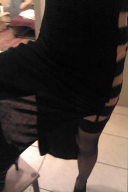 en longue robe noir