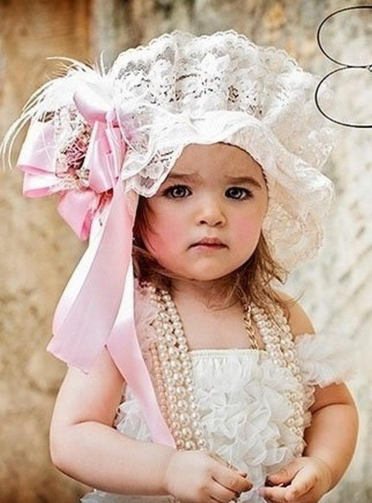 Bon lundi en soirée avec cette belle petite poupée :)