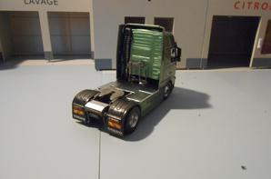 tracteur volvo globetrotter.xl fh16 de 610ch de chez motorart au 1/43.