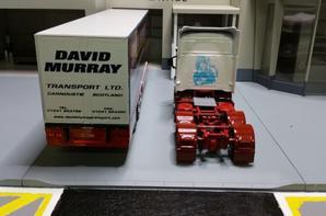 tracteur scania v8 580ch avec semi-remorque des tp david murray de chez eligor au 1/43.