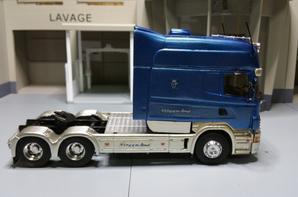 Le king of the road tracteur scania longline v8 transfo eligor au 1/43.