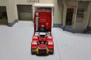 tracteur volvo fh4 16 750ch globetrotter xl de chez eligor au 1/43.