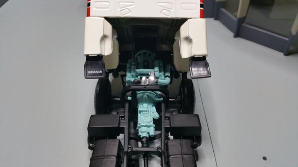 tracteur scania lb 141 s v8 4x2 de chez minichamps  au 1/43.