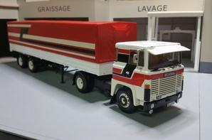 tracteur scania lb 141 s v8 4x2 avec sa semi-remorque de chez minichamps au 1/43.(merci patrick)