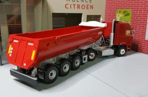 magnifique tracteur renault g340 ti transfo rené un aperçu avec une semi-remorque benne fruehauf de chez eligor au 1/43.