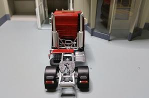 magnifique tracteur renault g340 ti transfo rené sur base eligor au 1/43.(je remercie rené pour se superbe et magnifique renault g merci beaucoup rené).