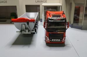 tracteur volvo fh4 500 eev globetrotter semi-remorque benne fruehauf des trs premat stp de chez eligor au 1/43.