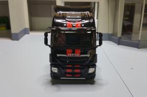tracteur iveco stralis 500 e6 hi-way noir de chez eligor au 1/43.
