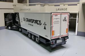 tracteur volvo fh 4 540ch globetrotter xl semi-remorque frigo chereau 2g transports modèle de chez eligor au 1/43.